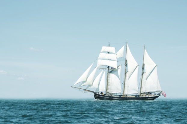 Picture of clipper sailing on Ocean.