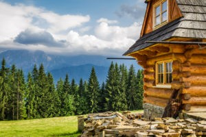 Picture of a log cabin that works as a vacation rental tax shelter
